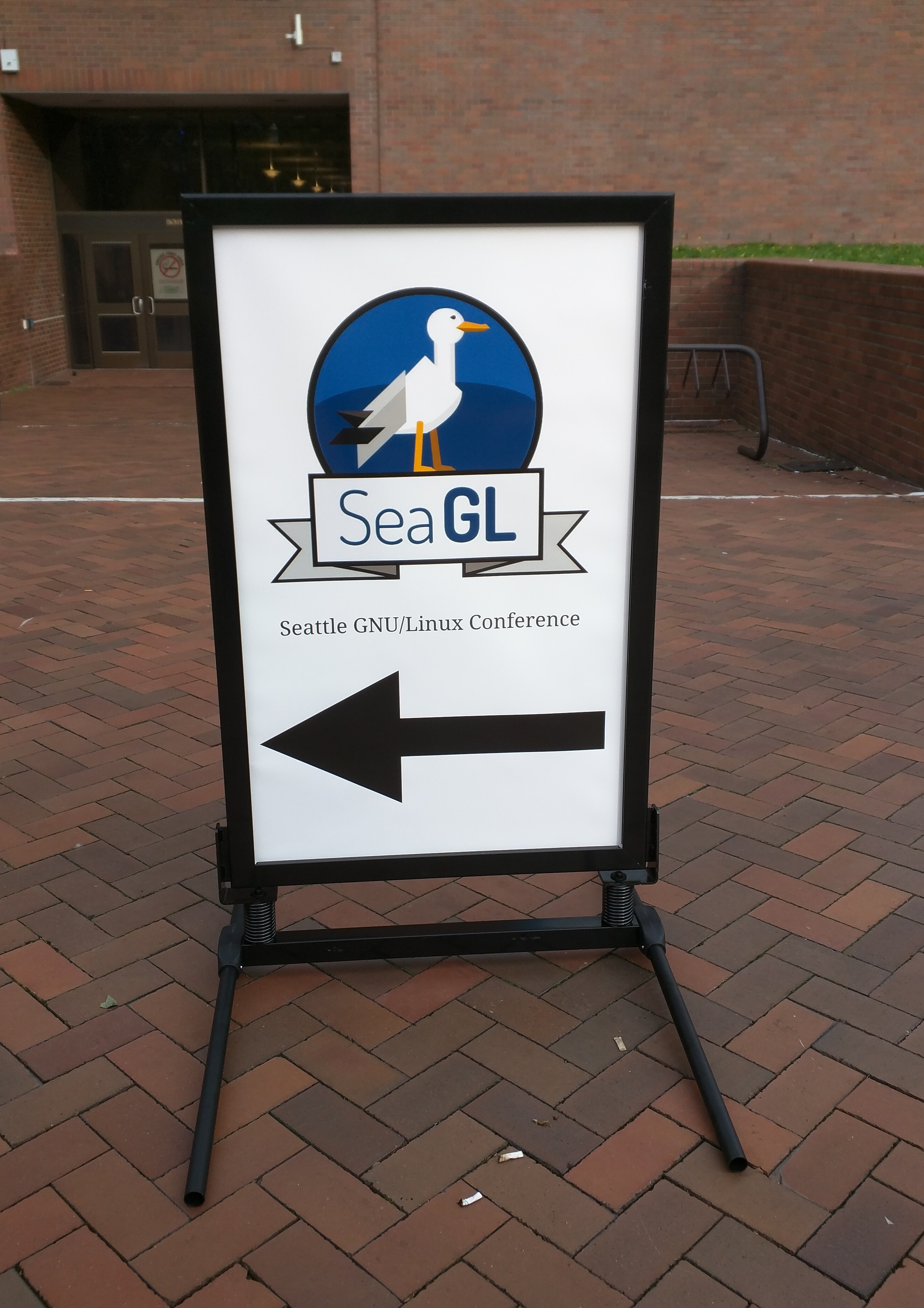 SeaGL sign pointing to the keynotes